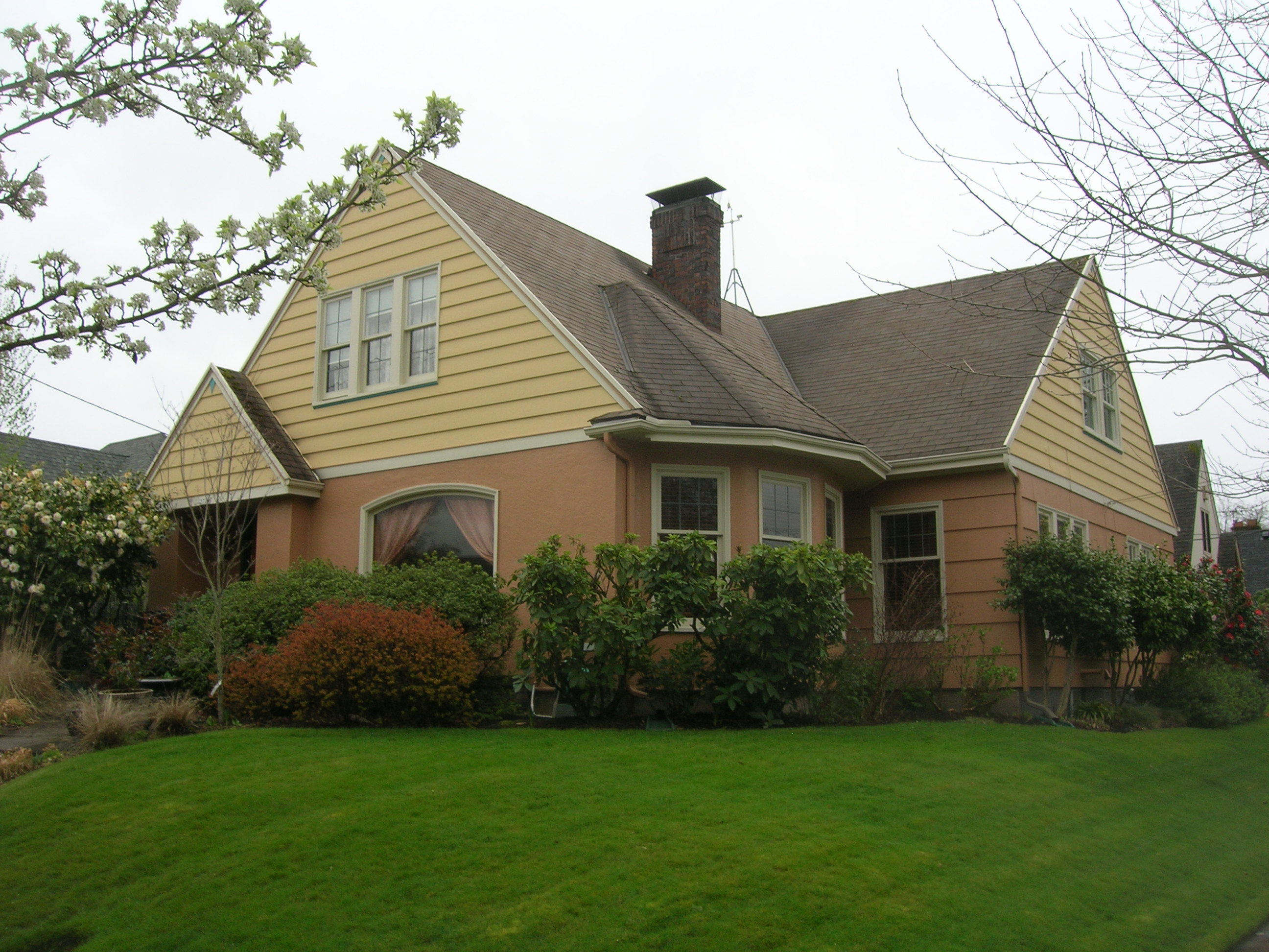 House painters portland interior painting contractors cascade cascade painting restoration for Exterior painting portland oregon